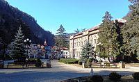 Borjomi park gate.JPG