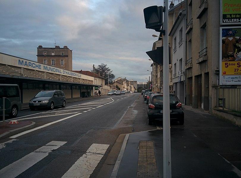Boulevard d'Haussonville à Nancy, et marché couvert d'Haussonville.