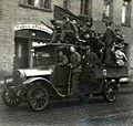 Braunschweig Novemberrevolution Revolutionstruppen LKW 15 H XVI H I 1918 (Stadtarchiv Braunschweig).JPG