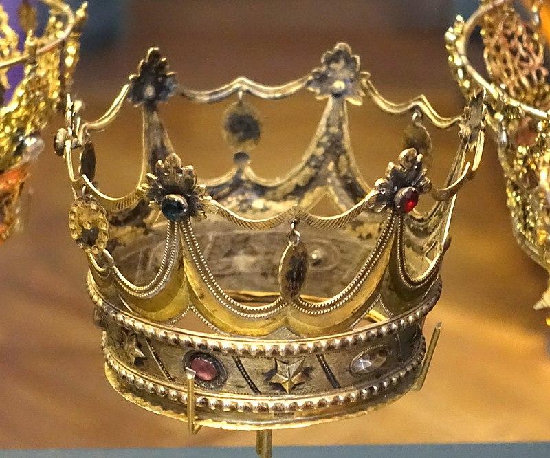 Bridal crown, made by G. Hagstrom, Stockholm, 1797, glass, silver, gilt - Nordiska museet - Stockholm, Sweden - DSC09731.JPG