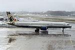 "British Airways Boeing 757-236 G-BMRG ""Rendezvous"" tail colors (23850633325).jpg"