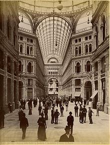 Brogi, Carlo (1850-1925) - n. 10209 - Napoli - Interno della Galleria Umberto I - Architetto Ernesto de Mauro.jpg