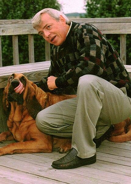 File:Buck The Bloodhound.jpg