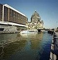 Bundesarchiv B 145 Bild-F088850-0014, Berlin, Palast der Republik, Berliner Dom.jpg