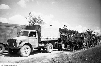 Bedford OY - Bedford OXD captured by Germans in Hungary, 1944