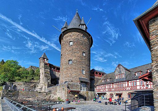 Burg Stahleck Pano 7077-80