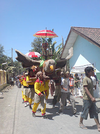 Cirebonese people - Burokan, a traditional performing arts in Cirebon.