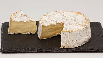 Camembert - Image: Camembert de Normandie (AOP) 11