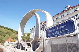 Danube University Krems - Railway station at Campus Krems