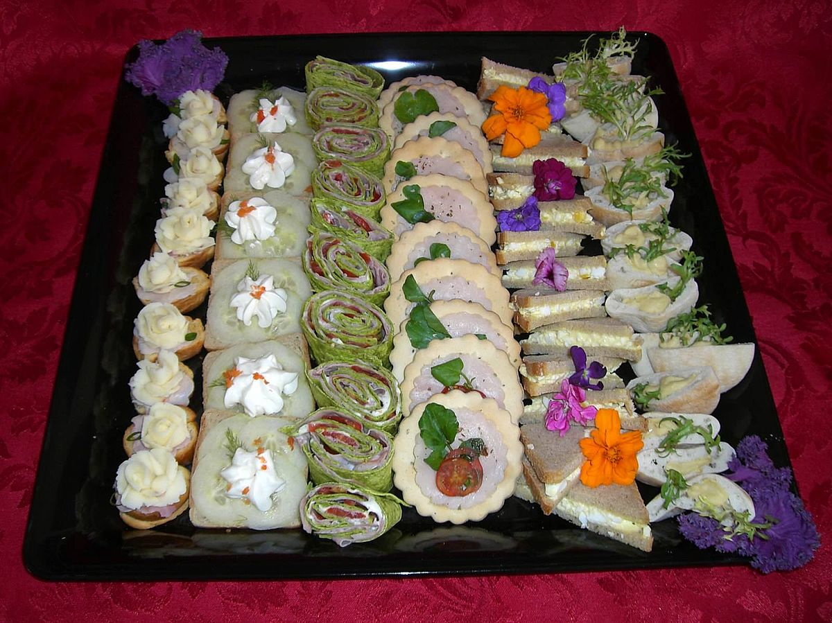 Canap wikipedia for Canape garnishes