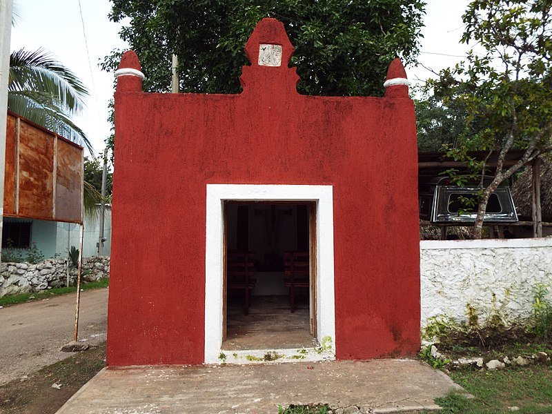 File:Capilla en Xaya, Yucatán.jpg
