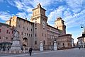 Castello Estense visto da Piazza Savonarola.JPG