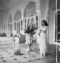 Gayatri Devi, the Maharani of Jaipur and princess of Cooch Behar, was a successful politician in the Swatantra Party.