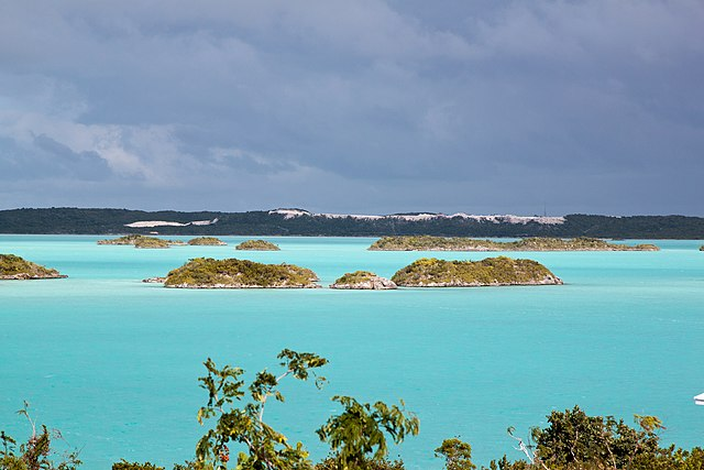 Chalk Sound, Providenciales, Turks and Caicos Islands. Photo by Tim Sackton.