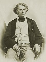 Charles Sumner seated.jpg