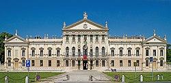 Città di Stra - Villa Pisani - Facciata 45.407738,12.013244.jpg