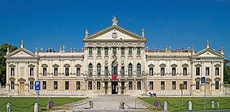 Villa Pisani, Stra - Image: Città di Stra Villa Pisani Facciata 45.407738,12.013244
