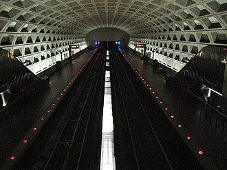 Clarendon station - Image: Clarendon station