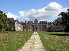 Le château de Clermont, acquis par le couple de Funès en 1967.
