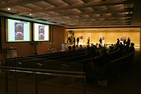 Cmglee Sainsbury Laboratory Cambridge University lecture.jpg