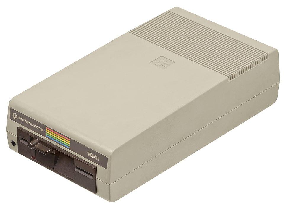 Commodore-64-1541-Floppy-Drive-01