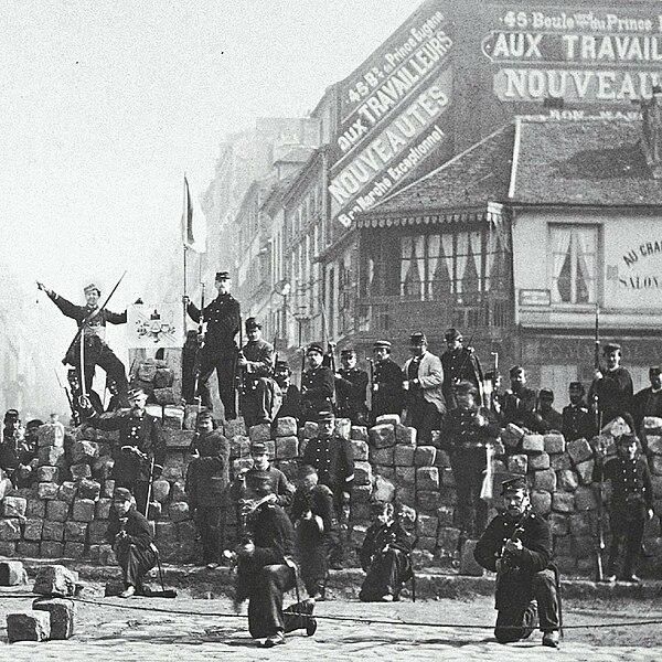 File:Commune de Paris barricade de la Chaussée Ménilmontant.jpg