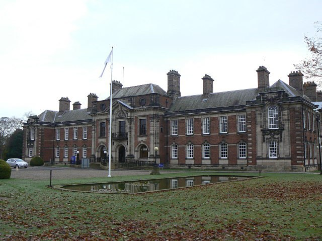 County Hall - geograph.org.uk - 1583476