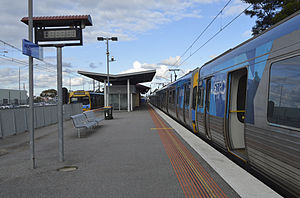 Cranbourne railway station - Station overview in August 2014 with two Comeng trains.
