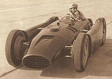 Photo d'Alberto Ascari sur Lancia D50 en test en 1954