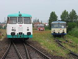 Deutsch: Bahnhof Lübben Süd mit dem DRE-Fuhrpark MAN-Schienenbus VT11 und Uerdinger Schienenbus 798 01English: Station Lübben south with DRE-vehicles MAN-Schienenbus VT11 and Uerdinger Schienenbus 798 01