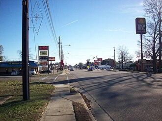 Daleville, Alabama - Daleville Avenue, Daleville's main thoroughfare