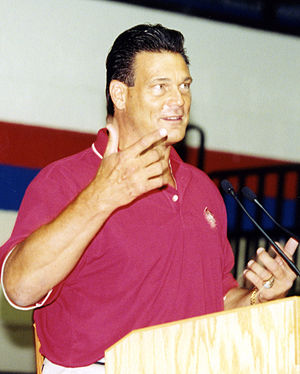Dan Hampton - Dan Hampton delivering a speech in 2002