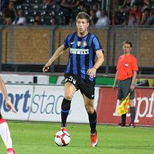 Santon con la maglia dell'Inter nel 2009.