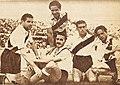 Deambrossi, Moreno, Pedernera, Gallo y Loustau, Estadio, 1942-12-30 (34).jpg