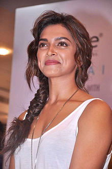 Deepika unveils Melange's lifestyle ethinic look for 'Cocktail' 08.jpg