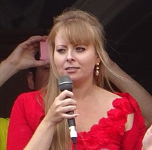 Delyth Jewell (cropped).jpg