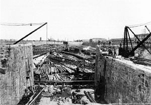 "Puerto Madero - The construction of ""dique 2"", 1891."