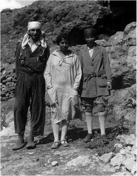Dorothy Garrod y Dorotea Bate en el Monte Carmelo
