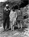 Dorothy Garrod (centre) 1928 Natufian culture discovery.jpg