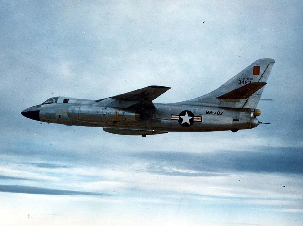 Douglas B-66B Destroyer in flight (SN 53-482) 061102-F-1234P-016