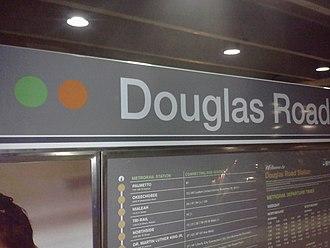 Douglas Road station - Station platform livery