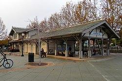 Downtown Mountain View station building (2), November 2018.JPG