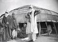 ETH-BIB-Die Tuaregs in ihrer typischen Kleidung als Schutz gegen Sand und Sonnenstrahlen-Tschadseeflug 1930-31-LBS MH02-08-0562.tif