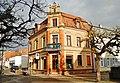 Eckhaus an der Eugen-Sauer-Straße - panoramio.jpg