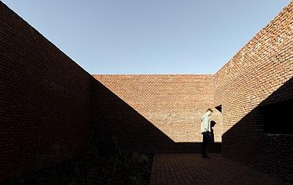 Edificio de Ladrillos 01.jpg
