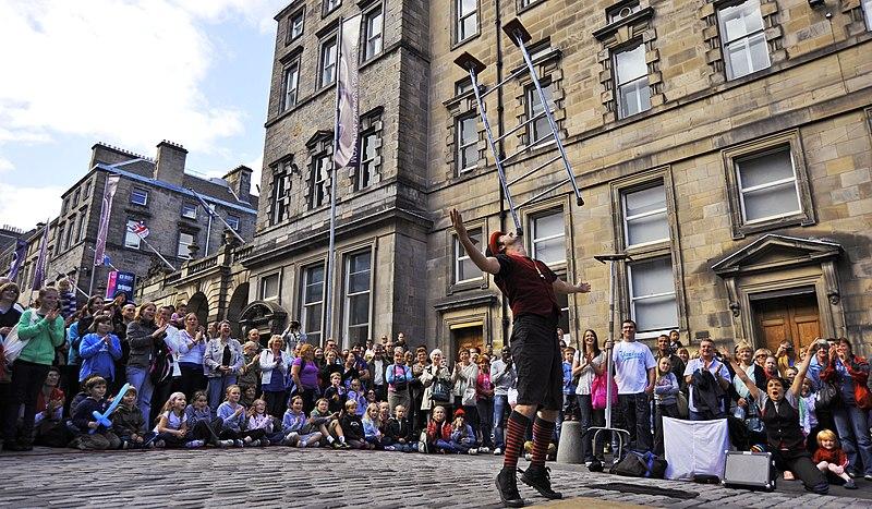 File:Edinburgh Fringe 037.jpg