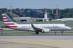 Embraer 175 N420YX at DCA.jpg