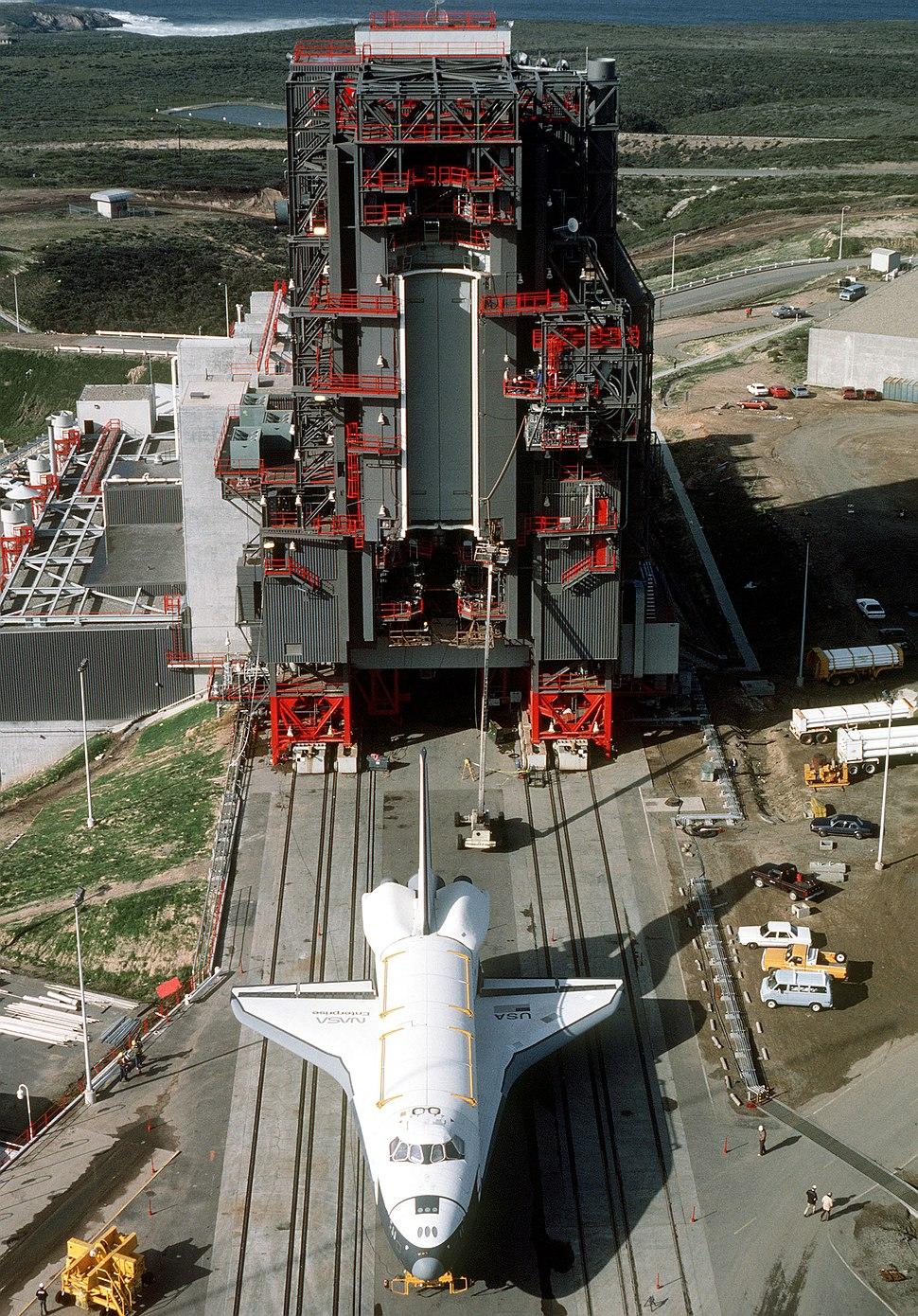 Enterprise at Vandenberg AFB SLC-6 - DF-ST-86-09420