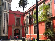 Entrance of the Museo Franz Mayer.jpg