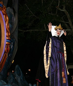 Magic Mirror (Snow White) - The Evil Queen with her Mirror at Mickey's Boo-to-You Halloween Parade 2010